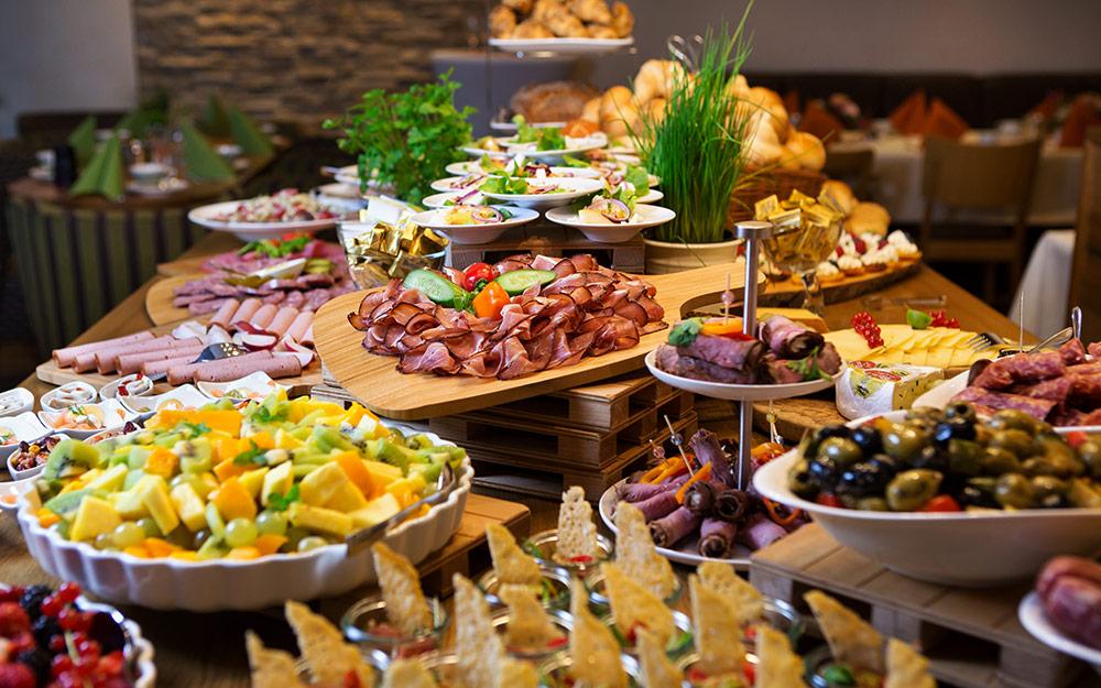 Großes Schlemmer Frühstücksbuffet - Bäckerei Dhein